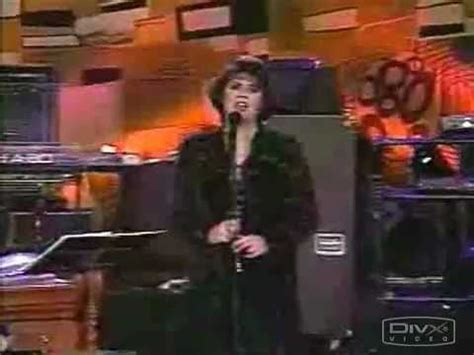 Linda Ronstadt - Anyone Who Had A Heart - YouTube