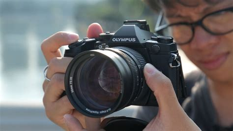 Olympus OM-D E-M1 Hands-on Review - YouTube