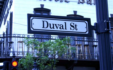 Duval Street: Eat, Drink, Shop and Explore